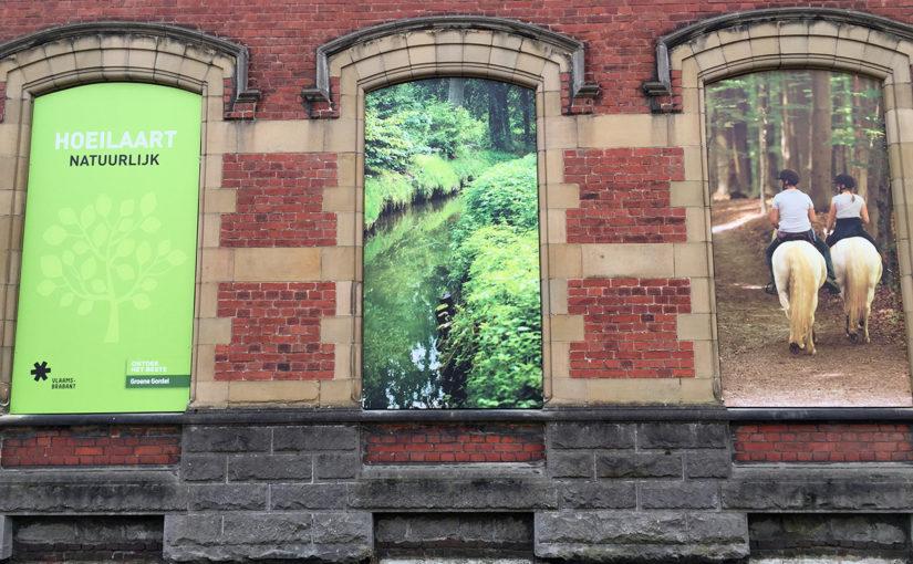 Panelen met toeristische troeven geplaatst